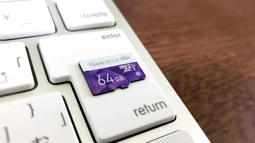 最大64GBのSDカードに対応