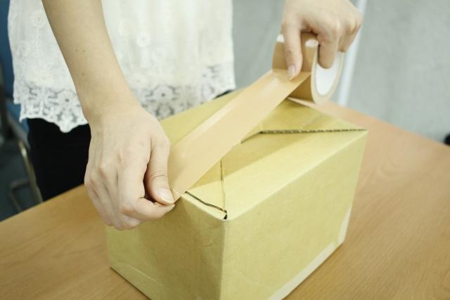 メルカリで商品を梱包するときはテープの貼り方に気をつけましょう