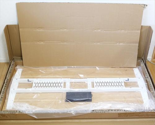 電動昇降スタンディングデスク「FlexiSpot E6シリーズ」天板を開封