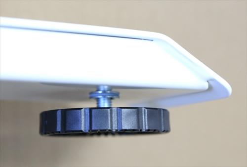 昇降式電動スタンディングデスク「FlexiSpot E6シリーズ」の高さ調節アジャスター