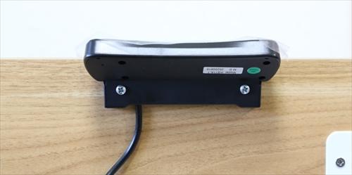 スタンディングデスク「FlexiSpot E6シリーズ」のコントロールパネルの取り付け完了2
