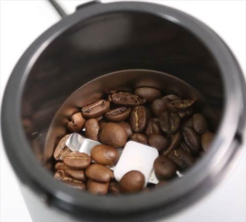 コーヒー豆15gを入れた様子