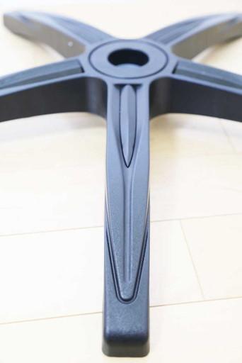 チェアベース(脚)のデザイン|CORSAIR(コルセア)社製「T3 RUSH」ゲーミングチェアの組み立て