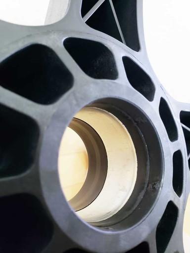 チェアベースの軸受け部分|CORSAIR(コルセア)社製「T3 RUSH」ゲーミングチェアの組み立て